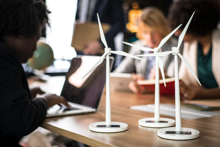 5 Reason to Invest in Renewable Energy in 2021